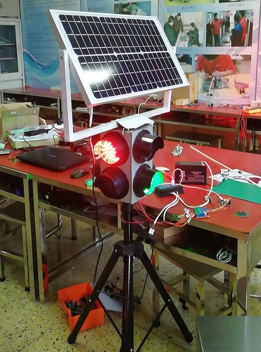 新型太阳能能交通灯11.jpg